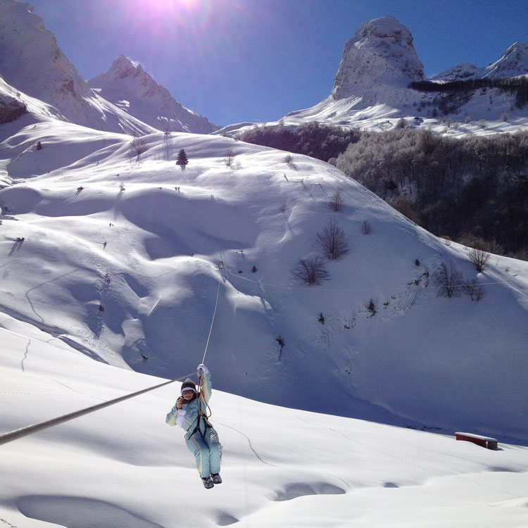 Grande tyrolienne l 39 aventure nordique - Gourette office de tourisme ...